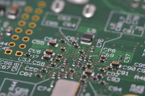 首发|8人0工资坚守18月后再创业 续接FPGA芯片研发路 获海康基金等投资