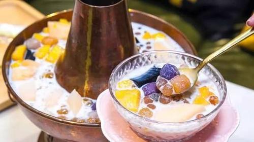 上线十分钟爆单、原材料溢价30%……奶茶火锅成了刚需?