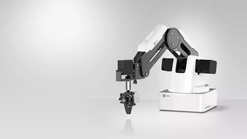 再获亿元融资 9年机器人制造老兵1年靠卖1500台机器人收入1.2亿