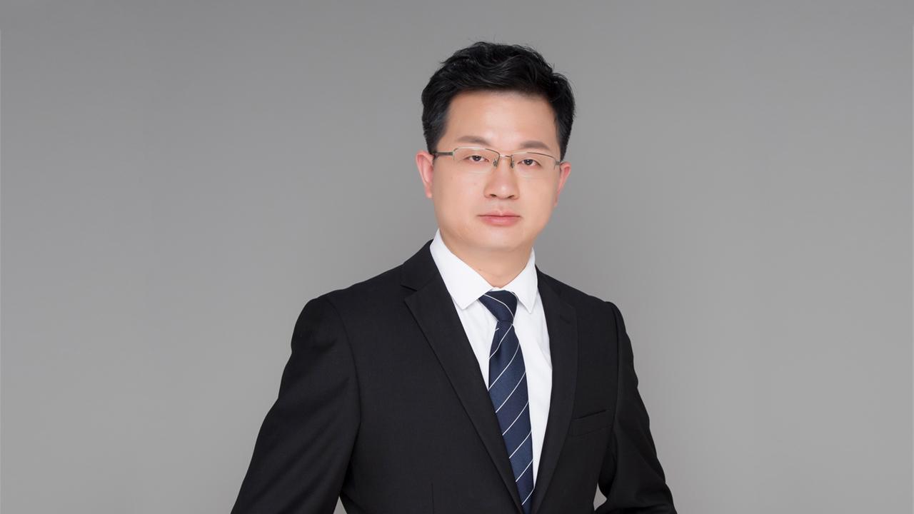 """""""好点的律所或咨询机构,1次股权服务收费一般在10万元以上,有的甚至高达百万元。""""吴涛说。"""