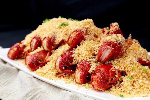 原闪电狗创始人再创业做小龙虾:这种虾俘虏他的胃 单店年利润超475万