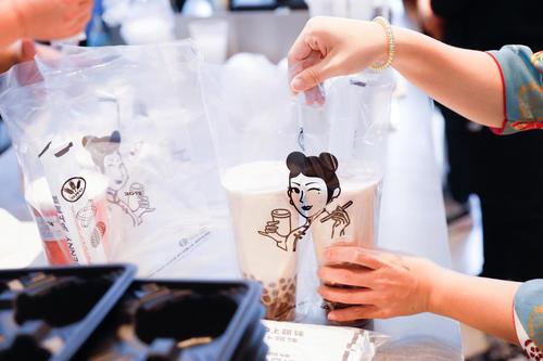 融资近亿!一个奶茶品牌被知名VC独投:7年开店2200家 存活率95%